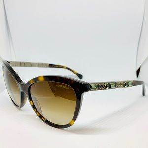 EUC CHANEL Dark Havana Jeweled Cat Eye Sunglasses